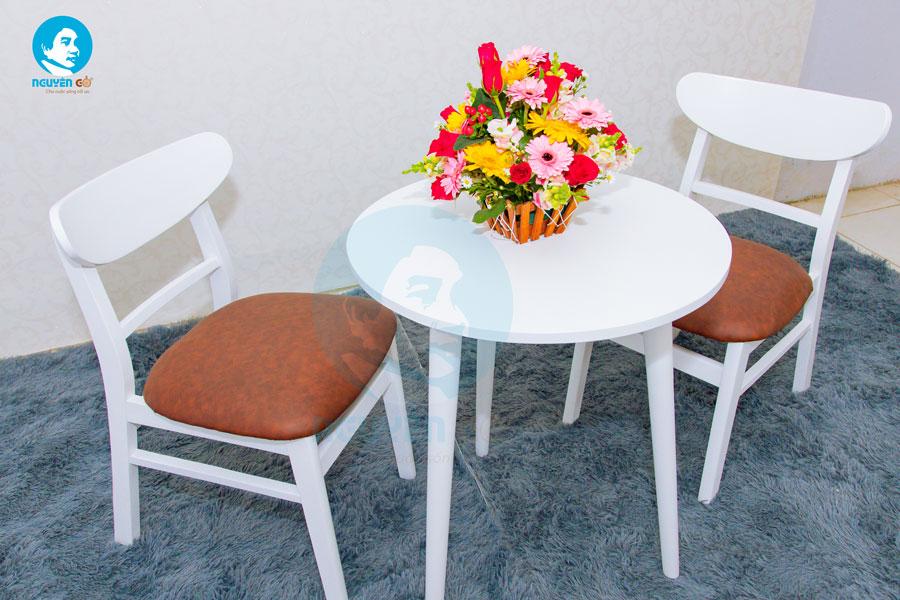 Bàn cafe tròn 2 ghế chân tiện - Màu trắng 3