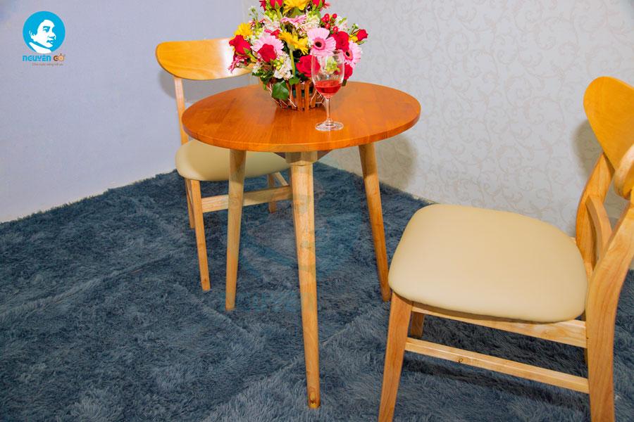 Bàn cafe tròn 2 ghế chân tiện - Màu tự nhiên 2